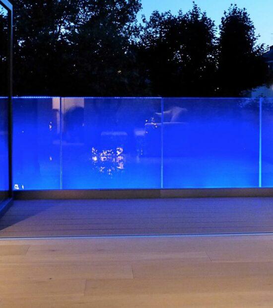 Балконные ограждения с подсветкой